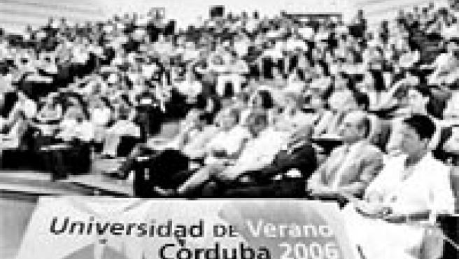 Los cursos de verano Córduba 06 se consolidan tras siete años de existencia y 2.500 matrículas (Vacas).
