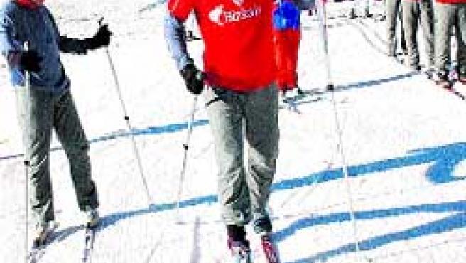 Llorente, un experto esquiador. (Aiol)