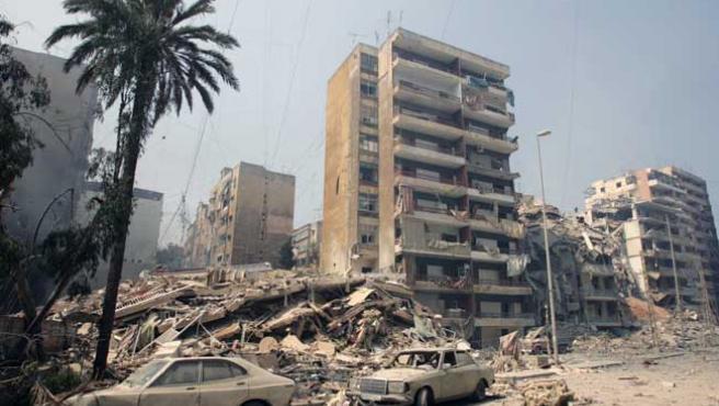Edificios destruidos por las bombas en el Líbano (Adnan Hajj / REUTERS)