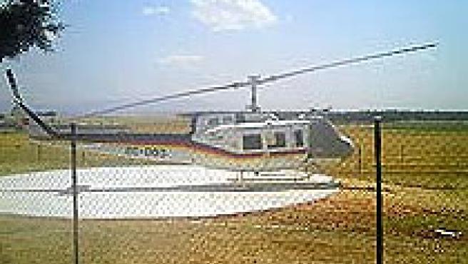 En helicóptero militar, en la base de Cantalejo (S.San Bruno / EL ADELANTADO)