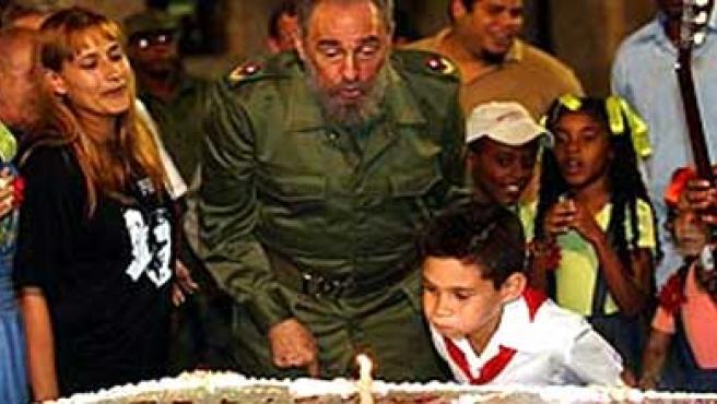 Fidel Castro, en un cumpleaños de Elián (EFE)