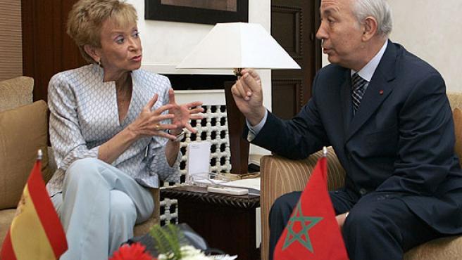 De la Vega y Dris Jetu durante la reunión en el Palacio de Gobierno de Rabat (Lavandeira jr / EFE)