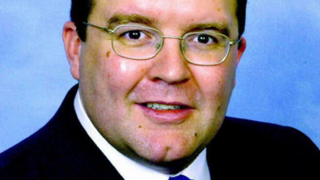 Tom Watson, hasta hoy subsecretario de Estado de Defensa británico y diputado laborista, ha dimitido de su cargo en portesta por la reticencia de Blair a fijarse una fecha de salida del Ejecutivo.