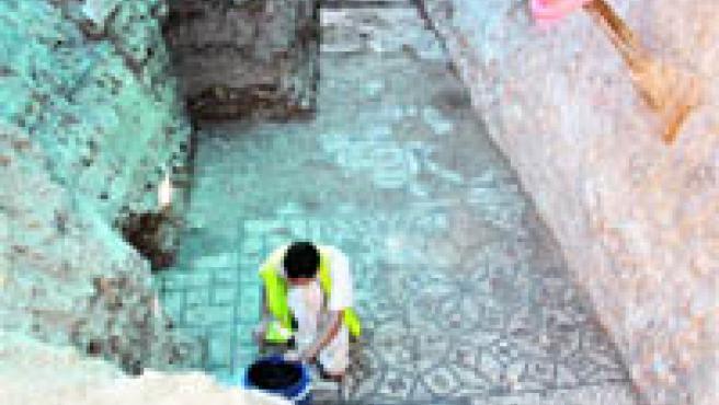 Las excavaciones en Sevilla no dejan de sorprender (J. G.).