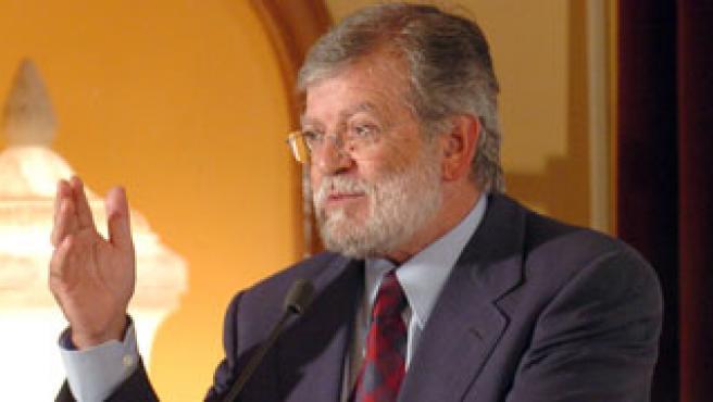 Juan Carlos Rodríguez Ibarra (Foto: Ministerio de Defensa)