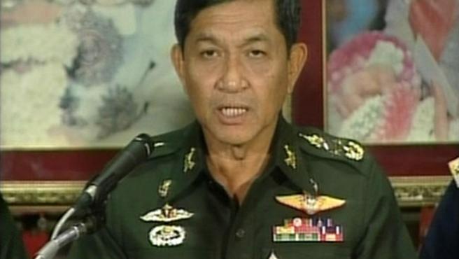 El general Sondhi Boonyaratklin, líder de los golpistas (REUTERS)