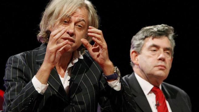 Bob Geldof en la conferencia laborista junto al ministro de Economía británico, Gordon Brown, en Manchester, Reino Unido. Richard Lewis / EFE