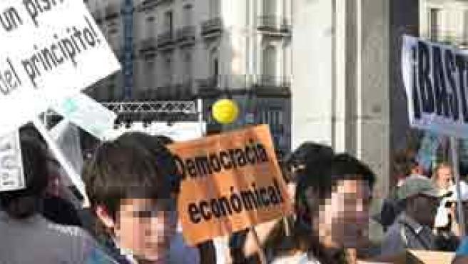 Imagen de la concentración por una vivienda digna celebrada en Madrid el 30 de septiembre de 2006. La foto es cortesía de nuestro lector Jacob van den Berg .