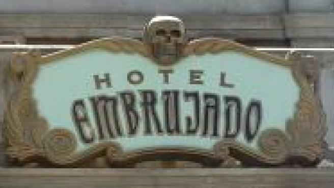 Imagen del Hotel Embrujado, en el Parque Warner (Efe).
