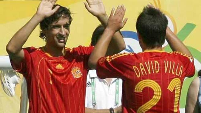 Raúl y Villa, durante el Mundial. (Archivo)