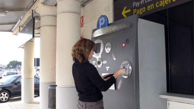 Los usuarios de aparcamientos sólo deberán pagar los minutos utilizados (Archivo)