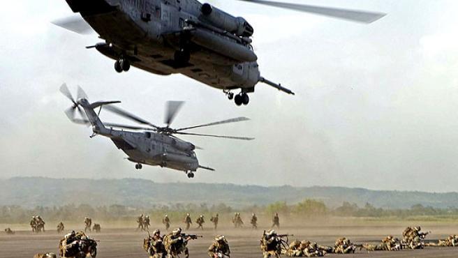 Contra el terrorismo. Un grupo de marines estadounidenses durante unos ejercicios militares en la provincia filipina de Pampanga. Cerca de 7.000 soldados estadounidenses y filipinos han comenzado una serie de ejercicios antiterroristas conjuntos.