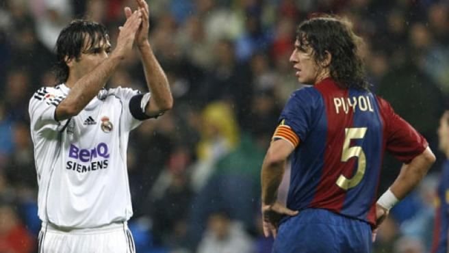 Raúl y Puyol, a la conclusión del partido.