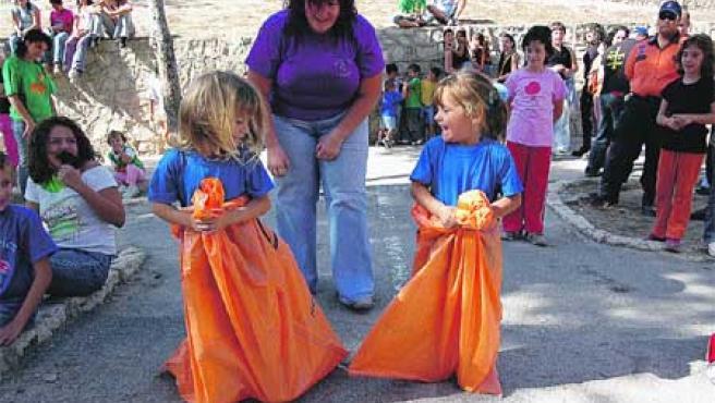 El castillo de San Fernando se llenó de niños. Rafa Molina