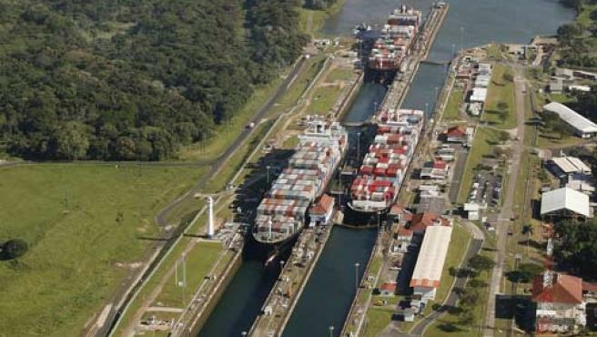 Imagen de cargueros en el canal de Panamá. (REUTERS)