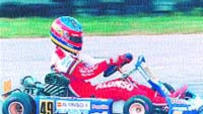 Apenas tenía tres años cuando Fernando Alonso. (Archivo)