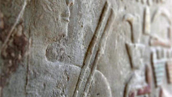 Detalle del muro perteneciente a una de las tumbas de un dentista que sirvió a la Dinastía V de los faraones. (Reuters)
