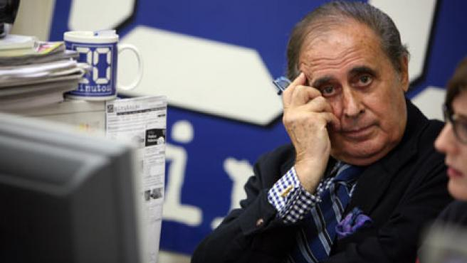 El periodista Jaime Peñafiel, en la redacción de 20minutos.es.