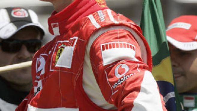 Schumi, en el Gran Premio de Brasil. (Bruno Domingos/Reuters)