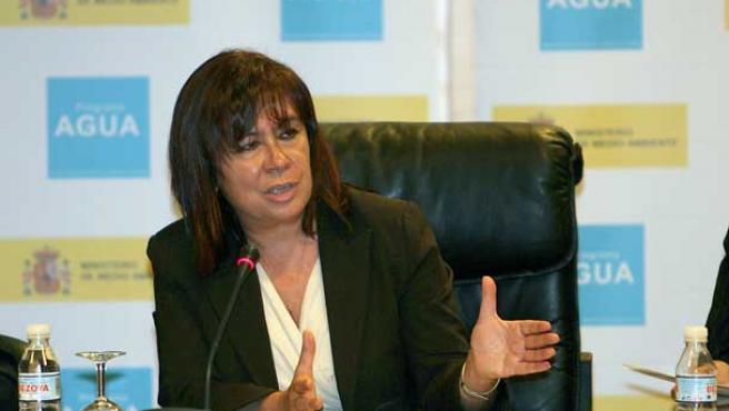 La ministra de Medio Ambiente, Cristina Narbona. (Mondelo / Efe)