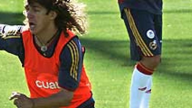 Carles Puyol, en un entrenamiento con España.