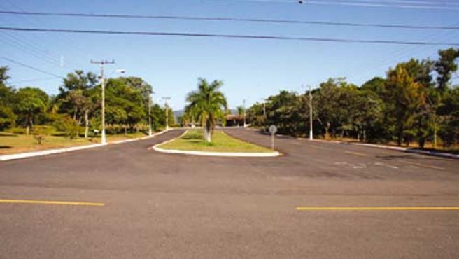 Imagen de una de las avenidas de la ciudad en venta. (cemig.com)