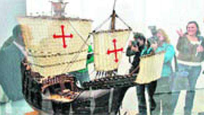 Planos originales, instrumentos, pinturas, monedas y hasta una colección de autógrafos (Torres).