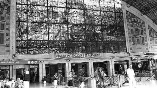La vidriera de la estación de Renfe en Abando. (Begoña Hernández)