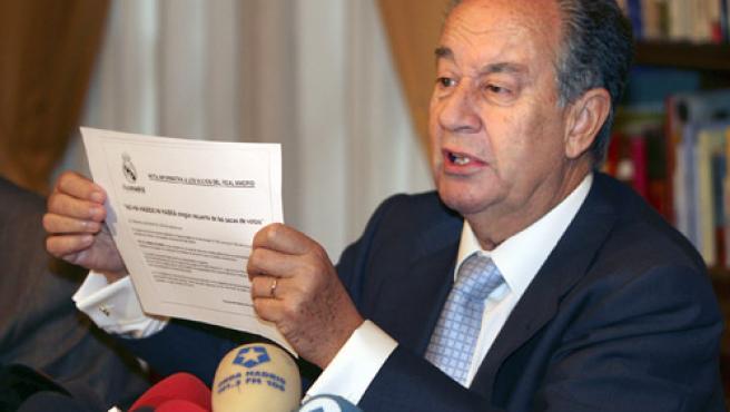 Villar Mir denuncia la mentira de la Junta directiva sobre la situación procesal de los votos por correo. (Efe)