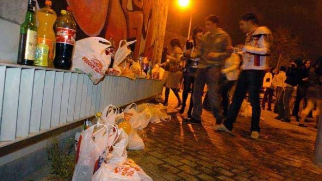 Macrobotellón celebrado en Valencia durante el pasado invierno (EFE)