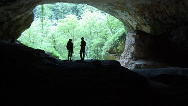 Cueva en Croacia donde se encontró el fósil del neandertal analizado por Paabo (Revista Nature)
