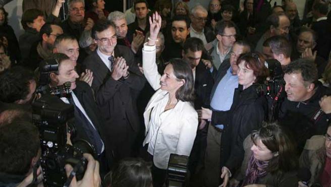 Ségolène Royal, centro de todas las miradas en la reunión de su partido en Melle. (reuters)