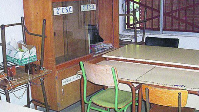 Aulas que tienen en el colegio para los chavales matriculados en el nuevo instituto de Algezares, aún en obras.