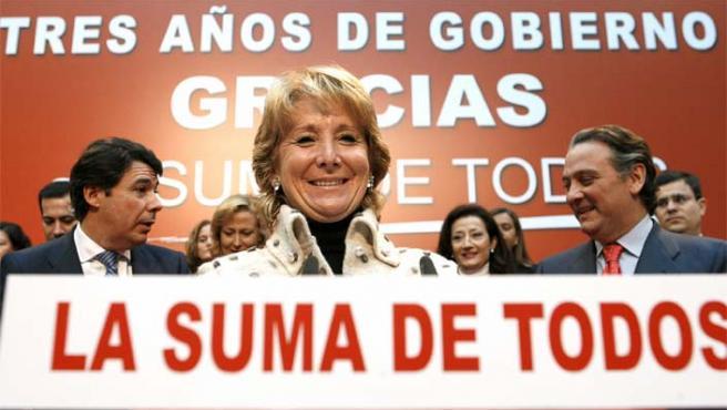 Aguirre, durante la presentación del balance de su gestión al frente del ejecutivo regional de Madrid (Foto: Efe)