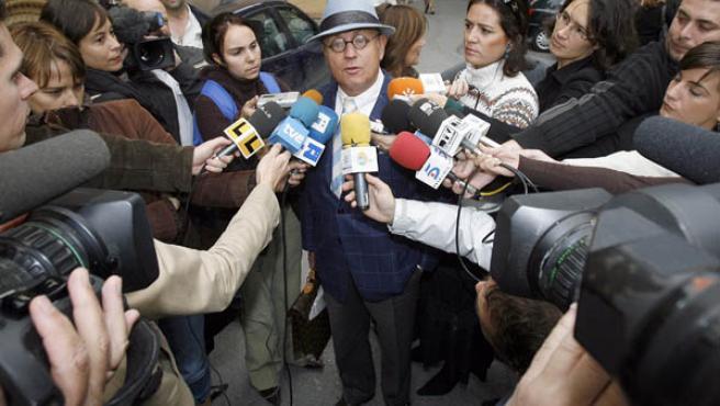 Javier Saavedra, en una comparecencia ante los medios de comunicación.