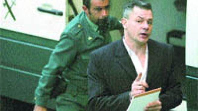 Tony King, único acusado por el crimen de Rocío Wanninkhof, a su entrada, ayer, en los juzgados (Jon Nazca / Reuters).
