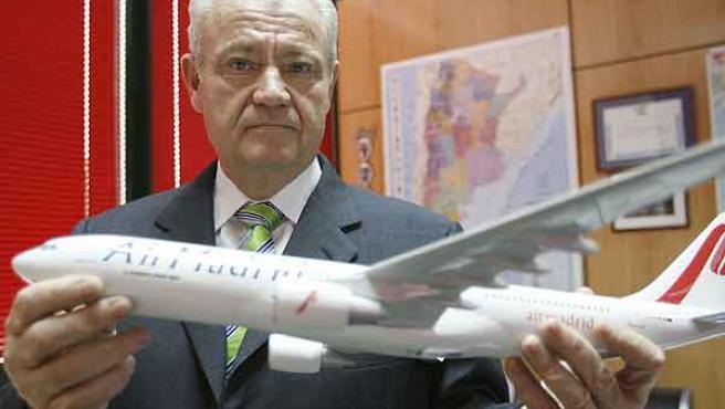 El presidente de Air Madrid, José Luis Carrillo, durante una entrevista con Efe (EFE/JUAN CARLOS HIDALGO)
