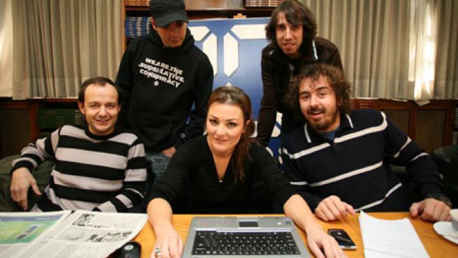 Los miembros de la Oreja, en la redacción de 20minutos.es (Foto: Sergio González)