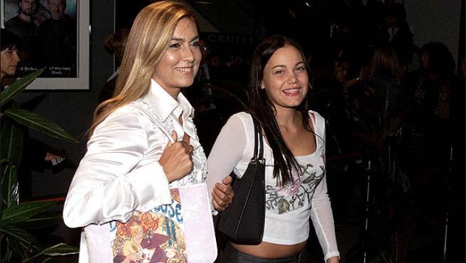 Romina Carrisi junto a su madre, Romina Power.