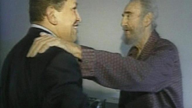 15 de septiembre. Imagen del vídeo tomado en el encuentro entre el presidente Hugo Chávez y Castro (FOTO: Gobierno de Cuba / Reuters).