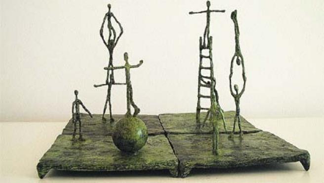 Escultura del zaragozano Alonso Márquez de su exposición Casi volar, que puede verse en la Galería Zeus.