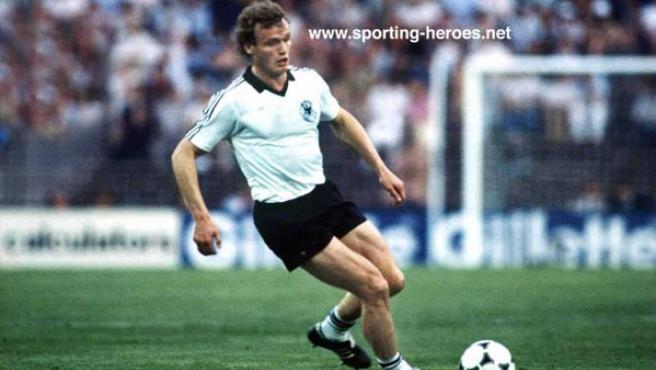 Briegel, con la selección alemana en el Mundial de 1982 (Sporting-heroes.net)