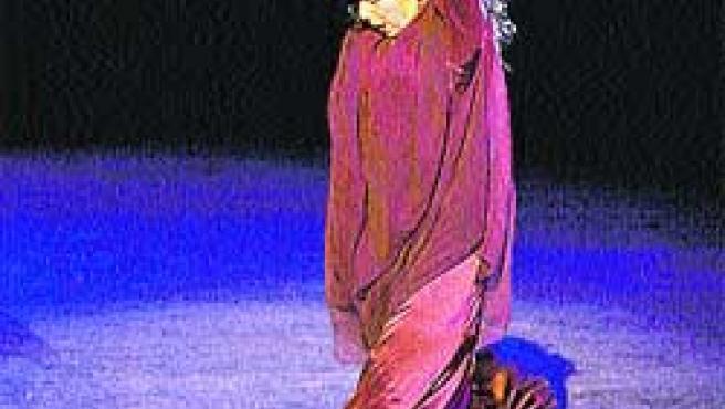Cristina Hoyos actuando.