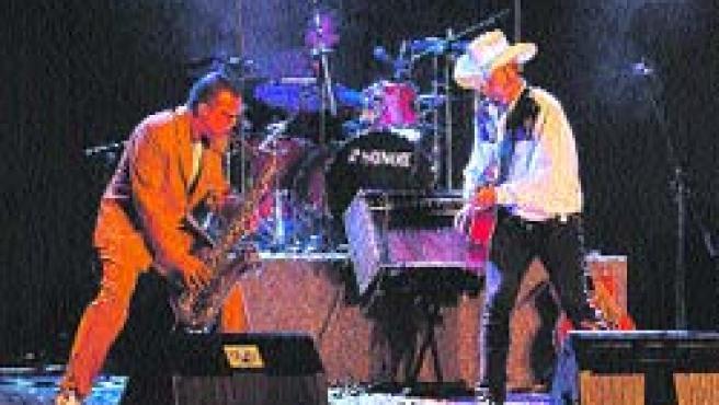 Los conciertos de Los Rebeldes cuentan con mucha marcha y guitarras potentes.(Archivo)