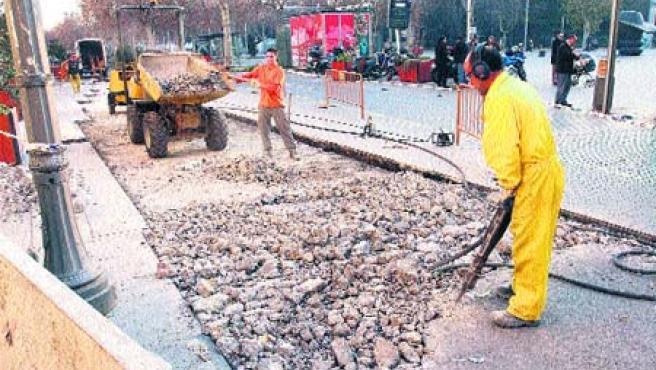 Cuando se ejecutaron las obras de la calle Miguel Íscar se tuvo que adecuar la Acera Recoletos.(Pablo Elías)