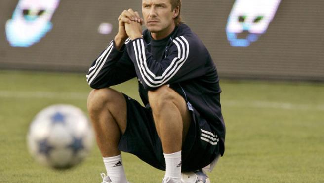 David Beckham, pensativo durante un entrenamiento con el Real Madrid. (Robert Galbraith / REUTERS).