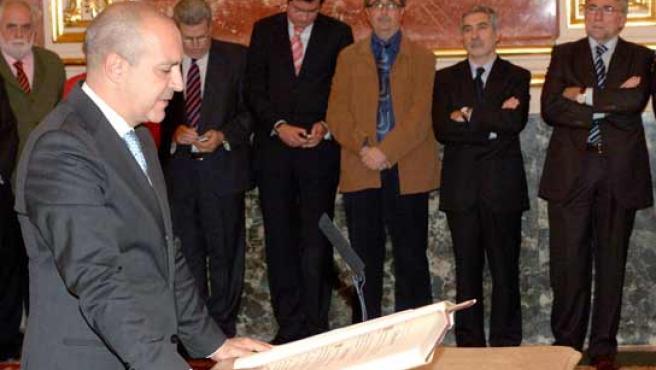 Luis Fernández toma posesión de su cargo (Foto: RTVE)