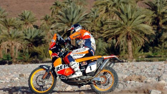 Marc Coma, en acción en el Dakar 2007. (Bernard Papon / AP Photo).