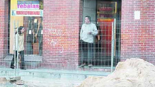 Bajan las ventas debido a escaparates inaccesibles. (Fernando Blanco).