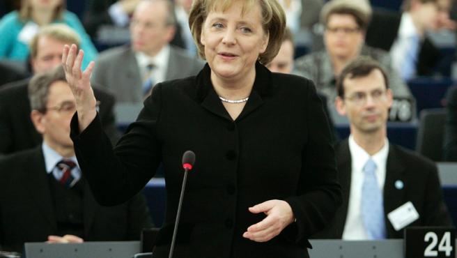 Angela Merkel, actual presidenta de la UE, en su comparecencia en el parlamento.